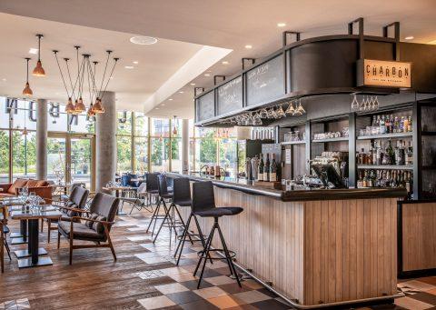 Vue du bar du Restaurant bistronomique CHARBON situé à Gennevilliers (92)