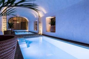 Espace piscine du LAZ' Hôtel Spa Urbain Paris Saint-Lazare, boutique-hôtel 4 étoiles du parc hôtelier Suitcase Hospitality