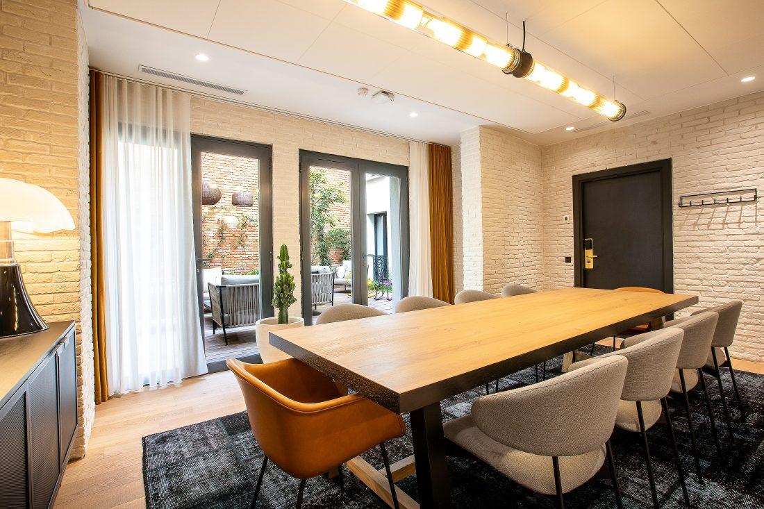 Salon du LAZ' Hôtel Spa Urbain Paris Saint-Lazare, boutique-hôtel 4 étoiles du parc hôtelier Suitcase Hospitality